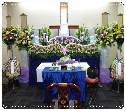 <strong><b>大阪市立北斎場</b></strong> 家族葬 祭壇